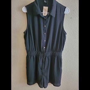 Forever 21 Black Sleeveless Button Romper Large